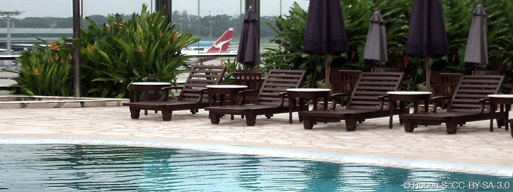 Airport-Singapore-pool